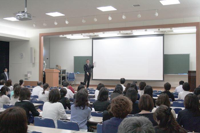 <2学年講演会の様子>