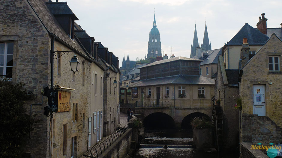 Cathedrale-Bayeux-Normandie