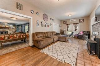 527 W Pine Ave-1