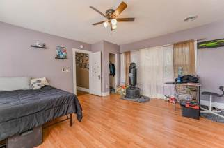 527 W Pine Ave-17