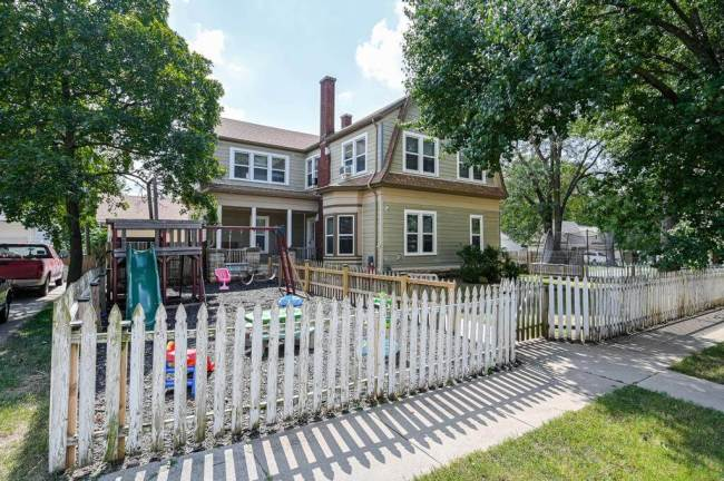 527 W Pine Ave-27