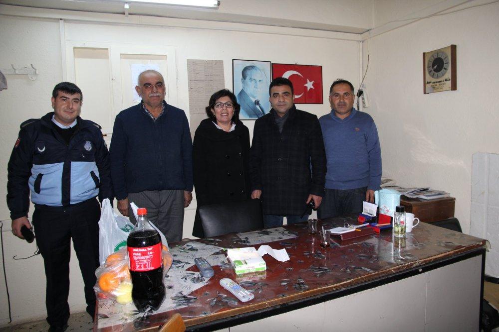 Belediye Başkanımız Abdulkadir Şahiner, yeni yıla görevleri başında giren Kamu Kurumu Personellerinin yeni yılını kutladı. | Sungurlu Haber