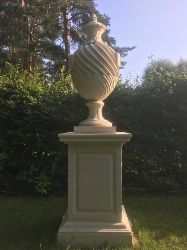 The Urn and the Rectangle