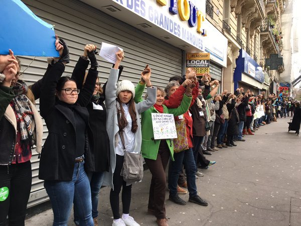 Human Chain in Paris (credit: Ben & Jerry's)