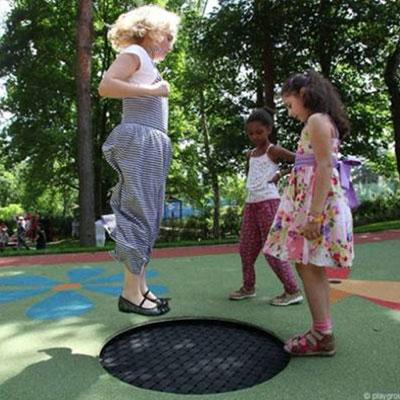 playgound-loop-trampoline2