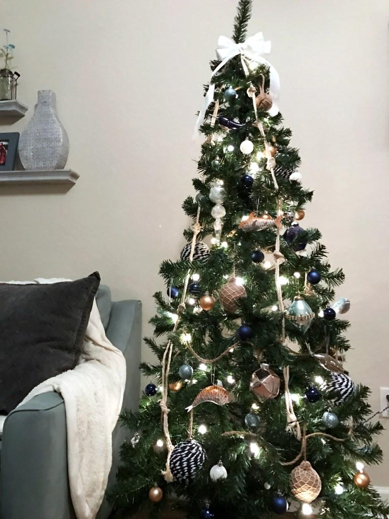Nautical tree ornaments - Coastal Christmas How To Trim Your Nautical Christmas Tree Coastal Christmas Nautical