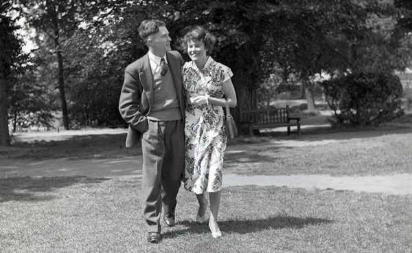 6 things youll remember about dating in the 50s SunLife