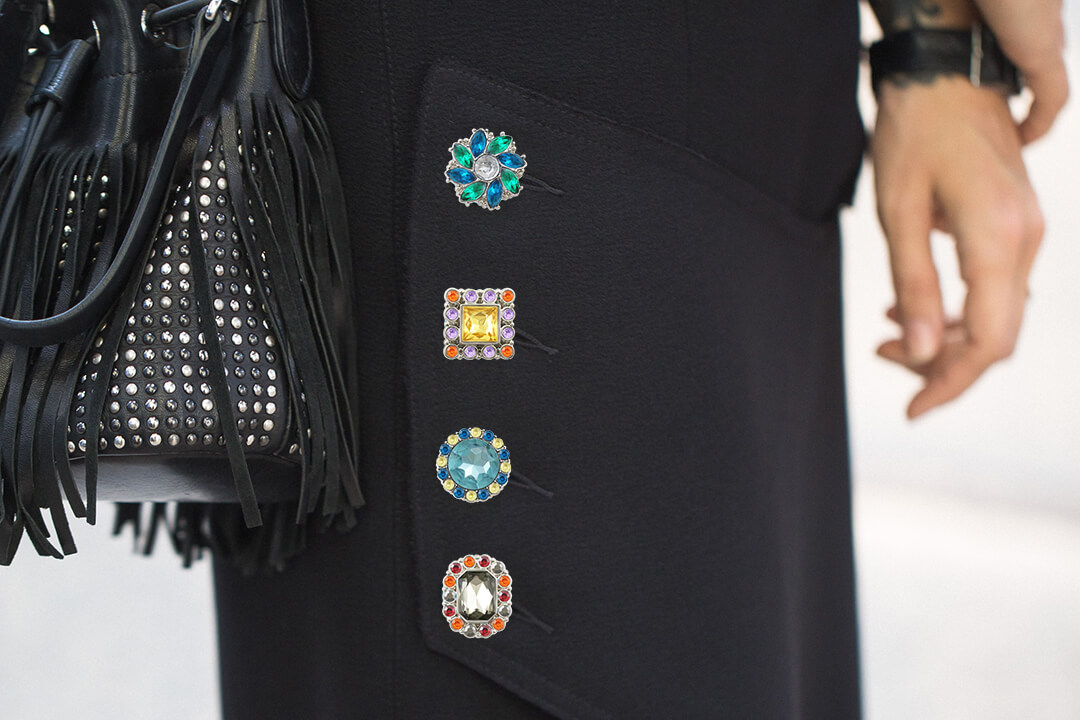 A Guide to Buying Rhinestone Buttons