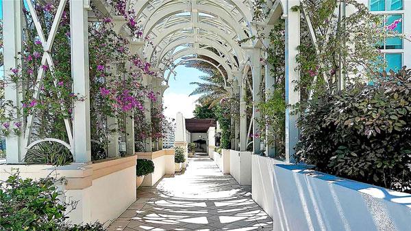 St Tropez amenities