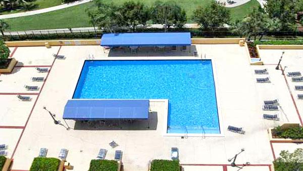 Winston Towers 600 pool