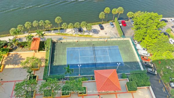 Winston towers 700 tennis court