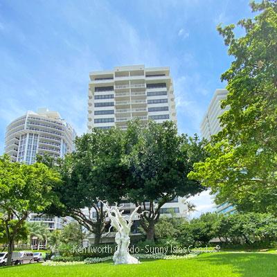 Kenilworth condominium complex