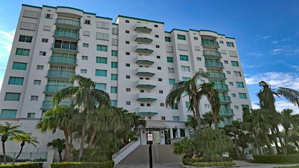 Le Montcalm apartment complex