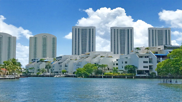 poinciana island apartment complex