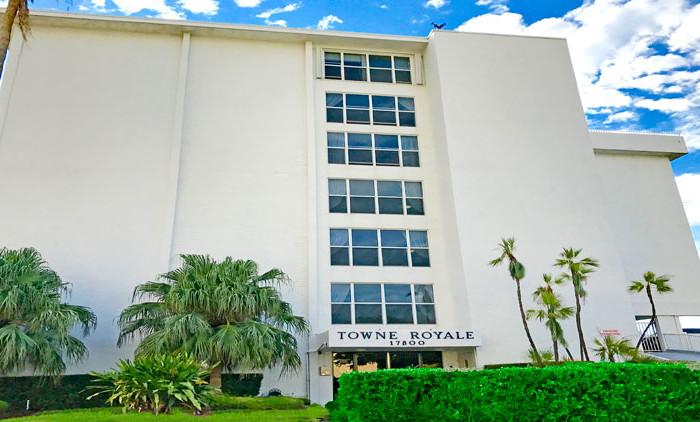 Towne Royale condominium complex