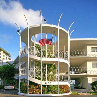 bay harbor club condominium complex