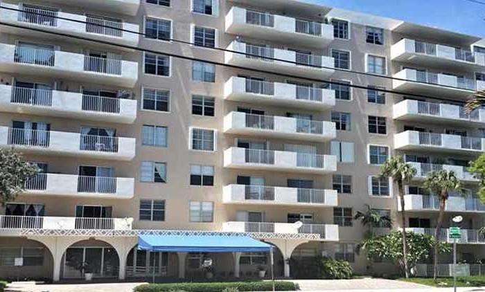 island place condominium