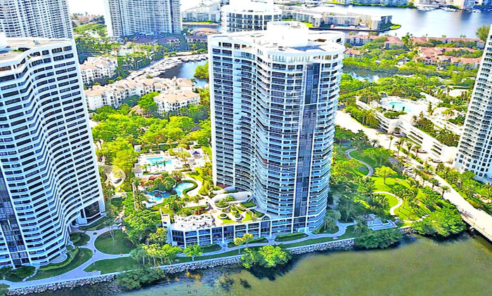 4000 williams island condo complex