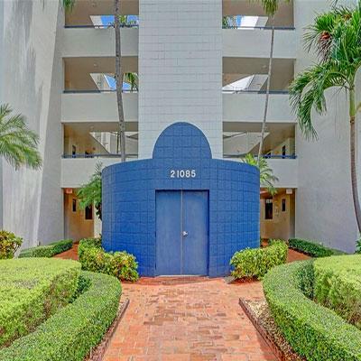 spinnaker bay condominium complex