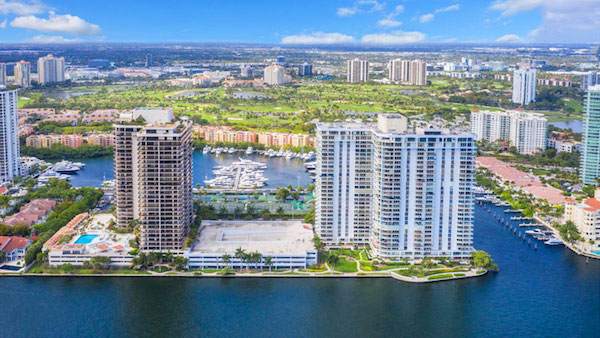turnberry isles north apartment building