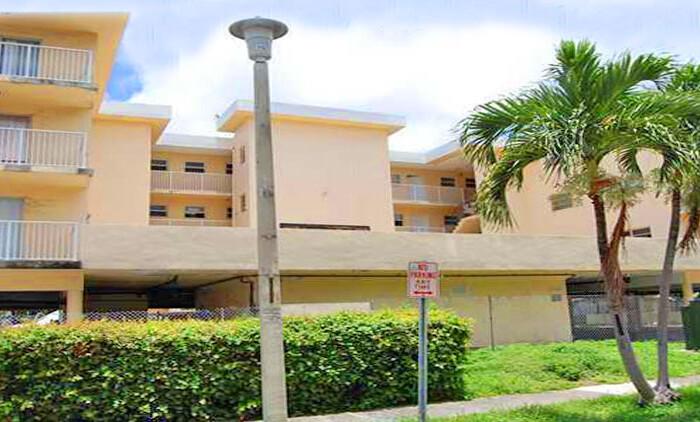 enclave shores condominium complex
