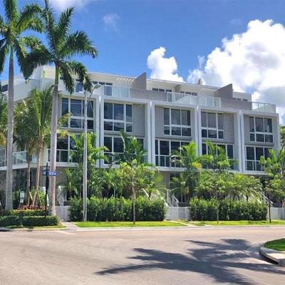 palm villas bay harbor townhouse complex