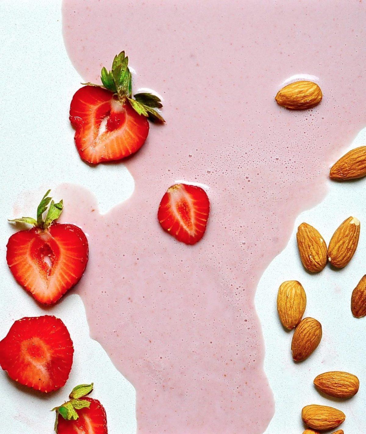 Strawberry Almond Milk (Vegan, Paleo)