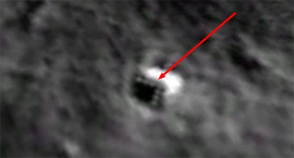Enormous Extraterrestrial Craft Hiding On The Moon 2whgj-zoomed