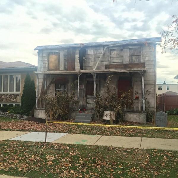Life-size Michael Myers House Halloween