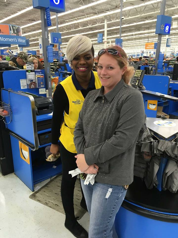 good news 2017 walmart cashier pays for groceries