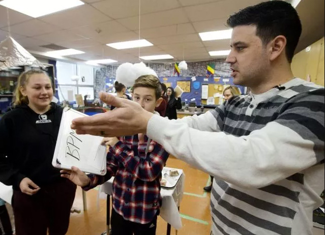 teacher turns classroom into interactive role playing game