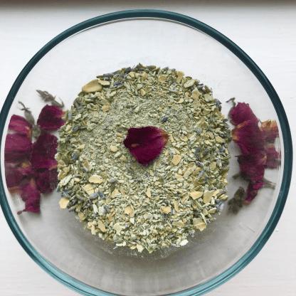 Lavenderoatscrub