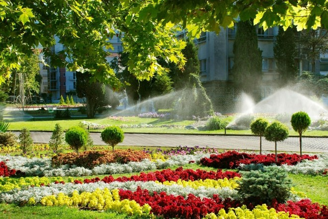Tips on Hiring the Right Contractor for Your Community's Irrigation System
