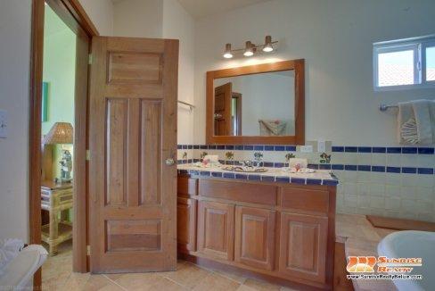 grand caribe b7 bathroom 2 (3)
