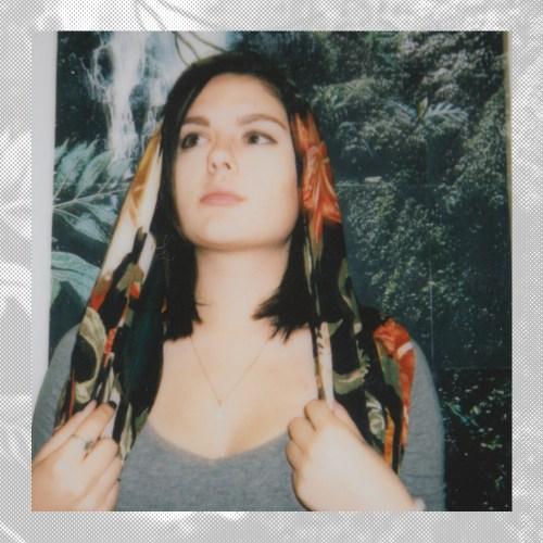 Ella Luna: Looseleaved