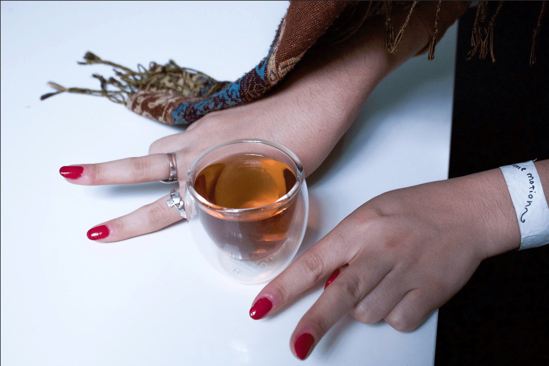 Ella Luna (The Significance of Unimportance, Cover Story, and Looseleaved), tea time #3.
