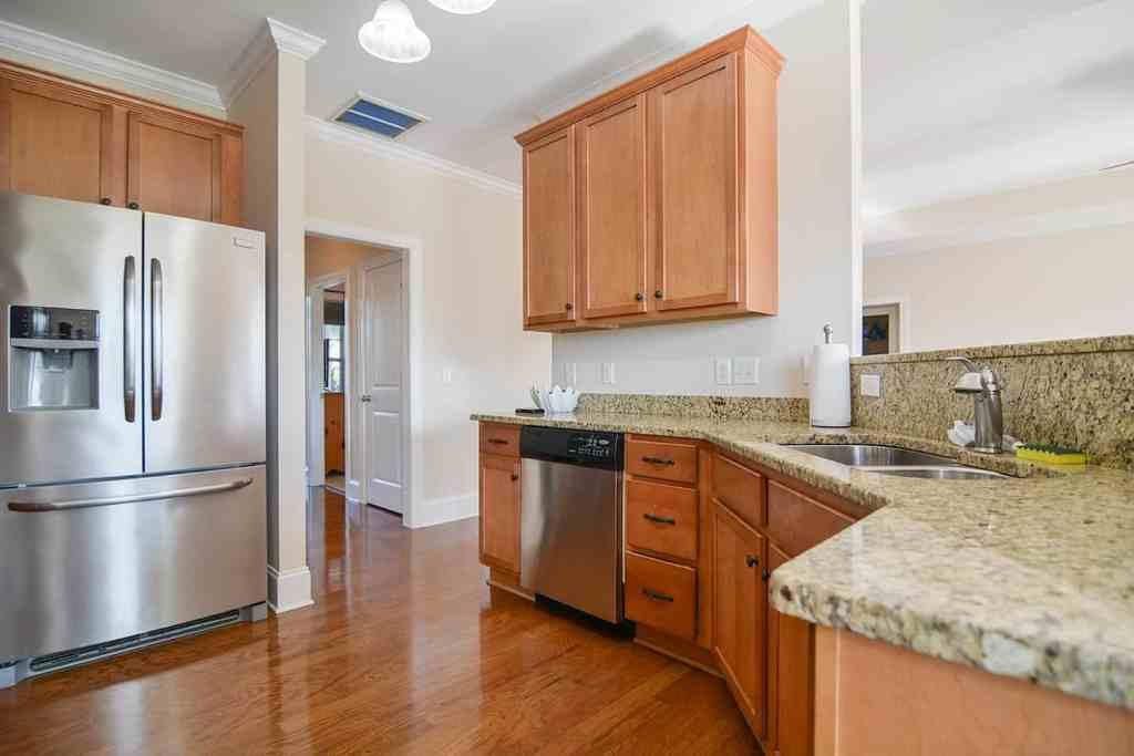 Kitchen - 1117 Pricesa Court Sunset Ridge