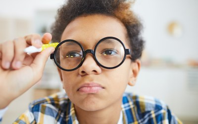 Three Signs That Indicate Your Child May Have Vision Problems