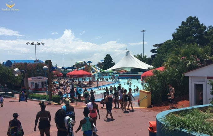 Visiting Six Flags Hurricane Harbor - Sunshine Momma