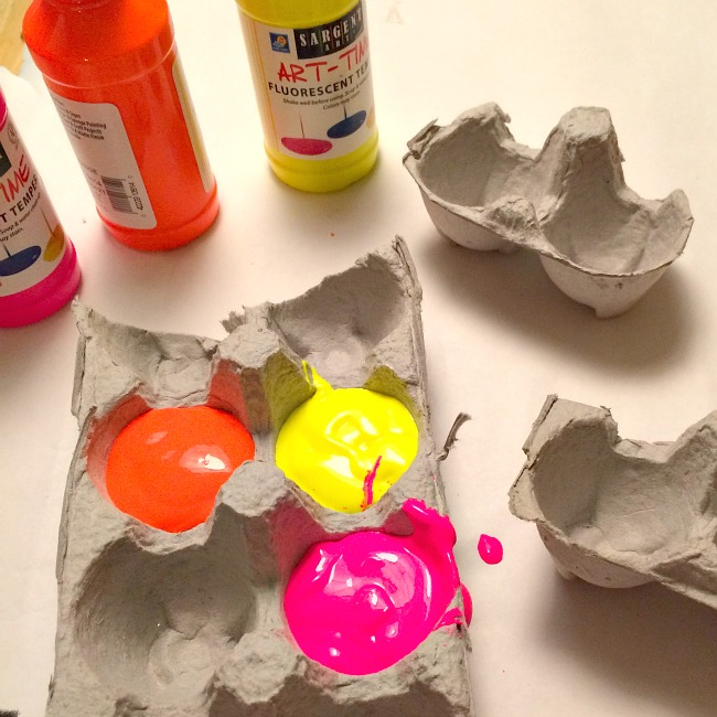 Googly eye glasses egg carton crafts for kids for Styrofoam egg carton crafts