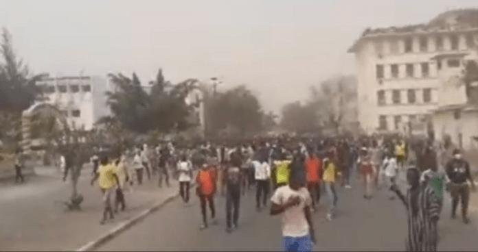 Ousmane Sonko rend visite aux étudiants blessés à l'Ucad (vidéo)ParMandaw Mbengue 18/02/2021 à 14:39
