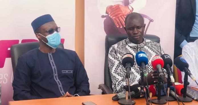 Direct : Ousmane Sonko rend visite à Babacar Diop des Fds (Senego Tv)ParAnkou Sodjago 13/03/2021 à 17:28