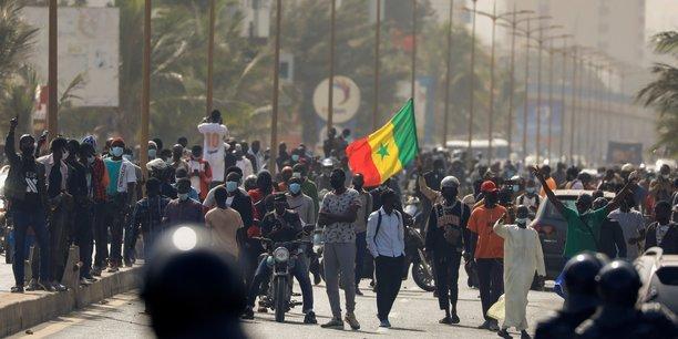 Direct sur Senego – Libération Sonko : Marche de l'Opposition au Centre Ville, DakarParMangoné KA 05/03/2021 à 16:41