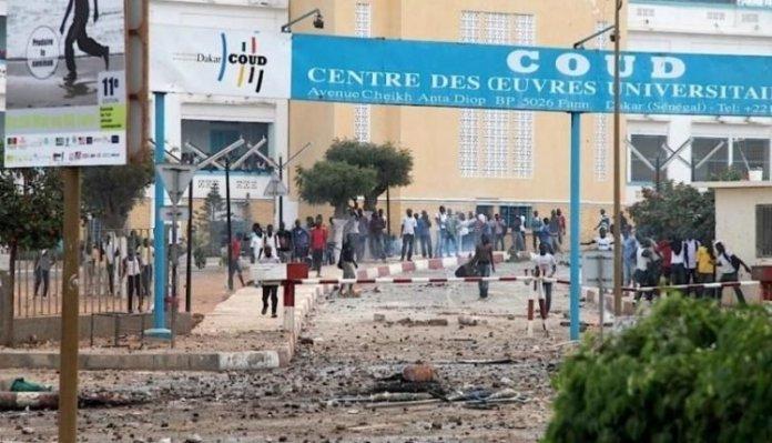 UCAD: De violents affrontements éclatent entre étudiants