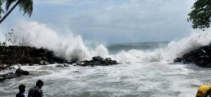 alert-given-on-sea-shore-because-of-mukunu-cyclone-in-gujarat