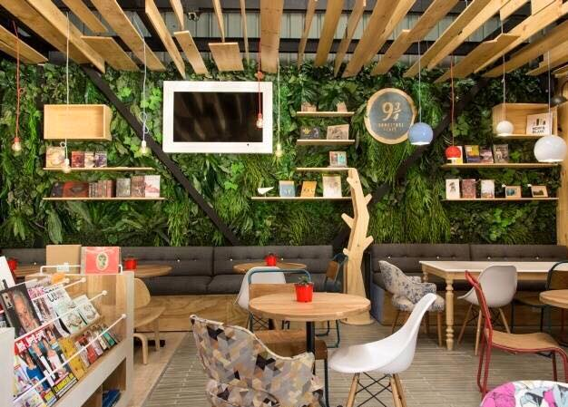 artificial-vertical-garden-office-area