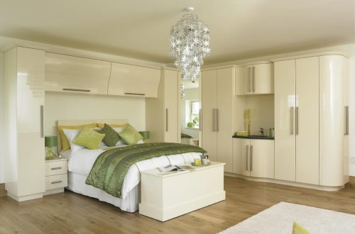 Traditional light fitted bedroom