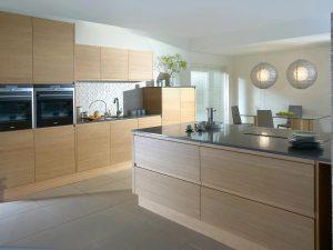 History – Modern oak streamlined bespoke kitchen
