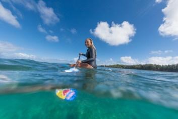 Izzi Gomez SUP surfing