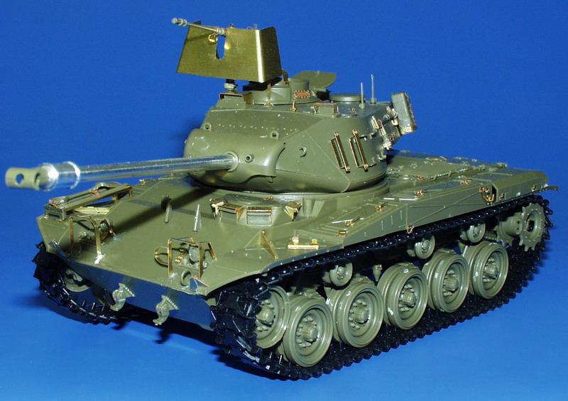 M41A3 Walker Bulldog AFV Eduard 35504